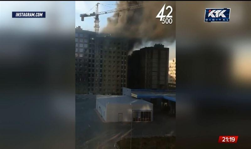 В столице горел недостроенный дом