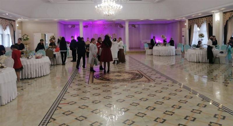 Проведение свадьбы пресекли в Алматы