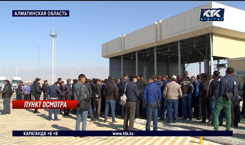 Проблему проезда большегрузов через казахстанско-китайскую границу предлагают решать на уровне правительства