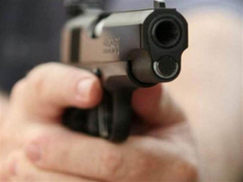 Полицейский решил изгнать демонов из сына и приказал дочери стрелять в людей