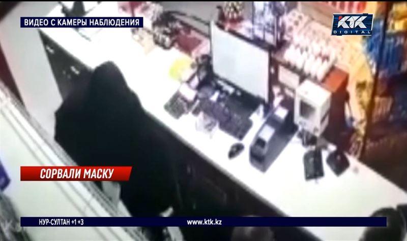 Безработный совершил разбойное нападение на заправку