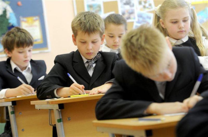 Казахстанские школьники вернутся к традиционному формату обучения