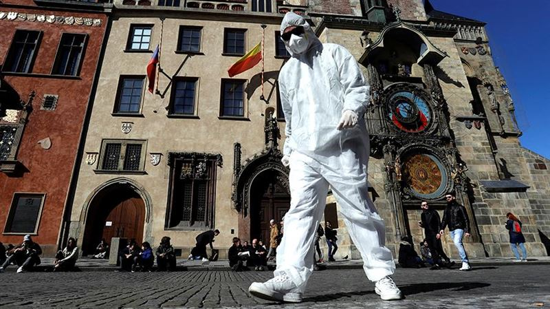 В Чехии для борьбы с COVID-19 запрещено свободное передвижение граждан