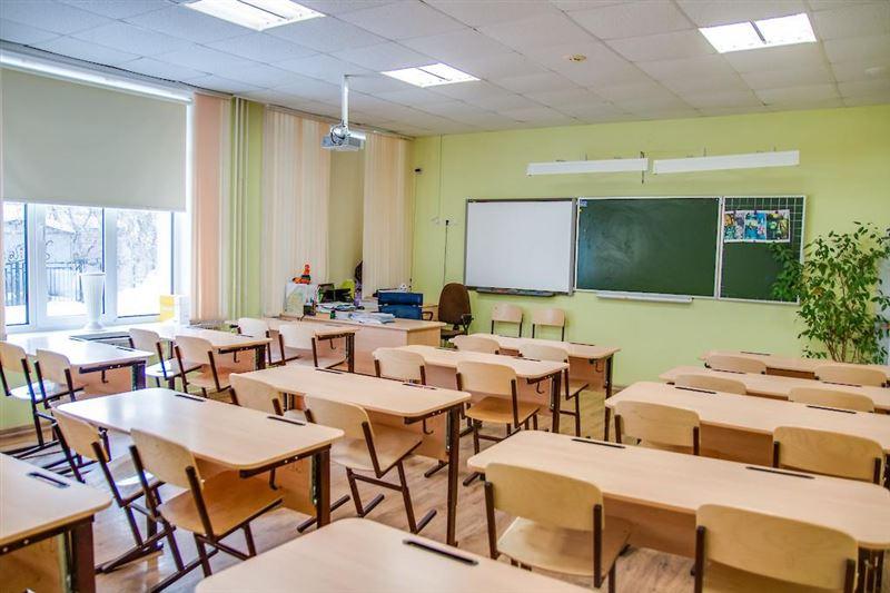 Сколько казахстанских школьников будет учиться по традиционному формату