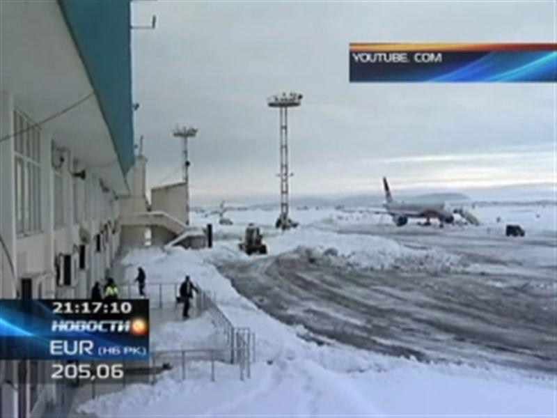 Еще один CRJ-200 совершил аварийную посадку