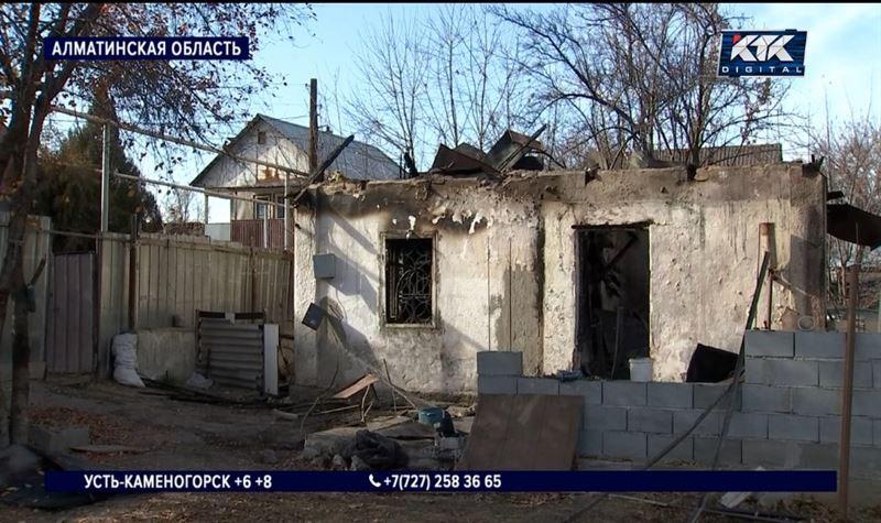 Отец и двое детей погибли при пожаре в Талгаре