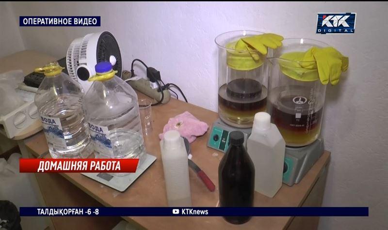 Трое мужчин наладили производство мефедрона в алматинской квартире