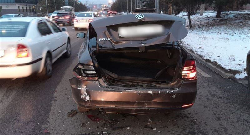 Пьяный водитель скрылся с места аварии в Алматы