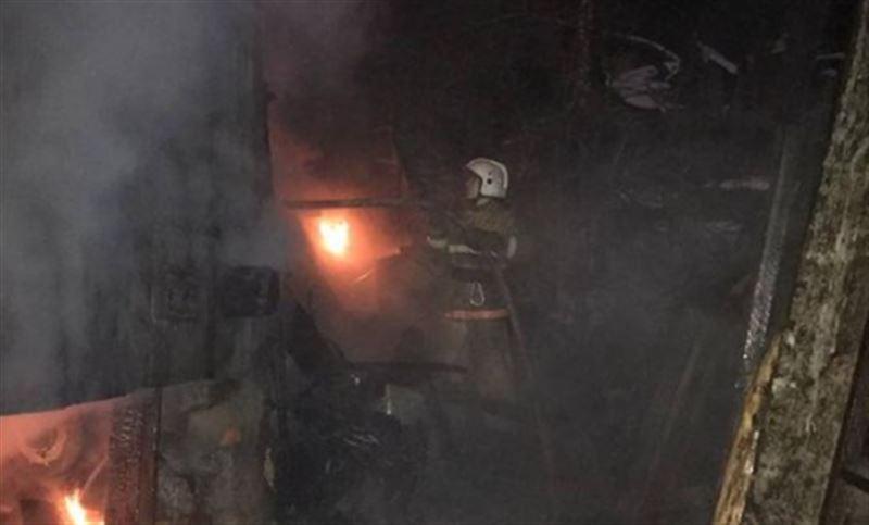 Пожар едва не спровоцировал взрыв газа в жилом доме в ВКО