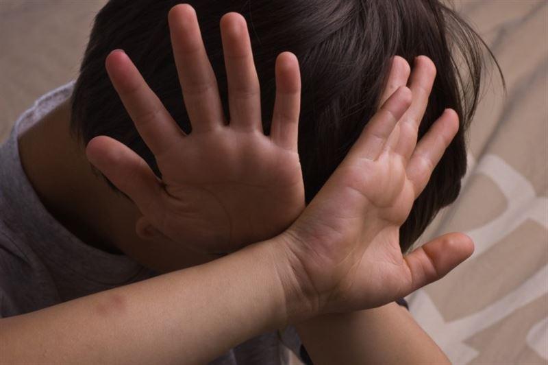 Мужчина с топором взял в заложники шестерых детей