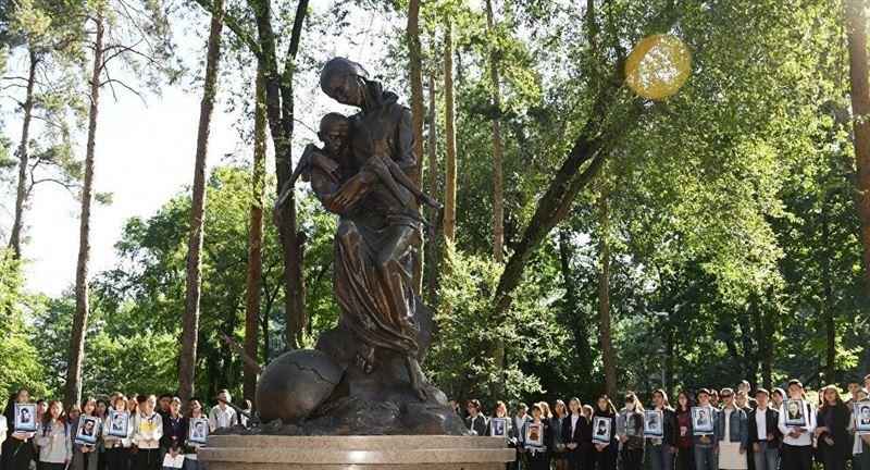 Назарбаев высказался о казахстанцах, погибших от голода в 30-х годах