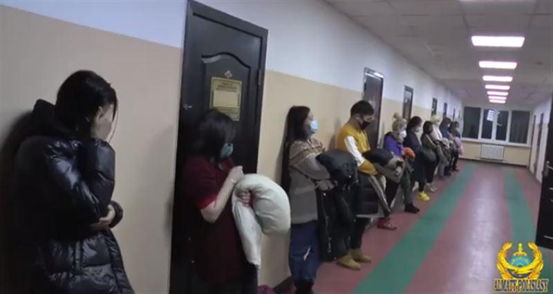 Алматинские полицейские задержали проституток
