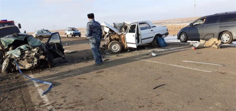Три человека погибли в ДТП на трассе в Западном Казахстане