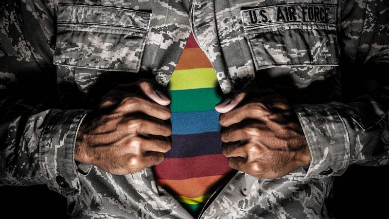 Трансгендеры вновь могут служить в американской армии