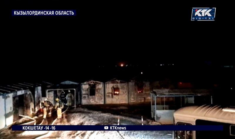 Трое вахтовиков погибли при пожаре на нефтяном месторождении