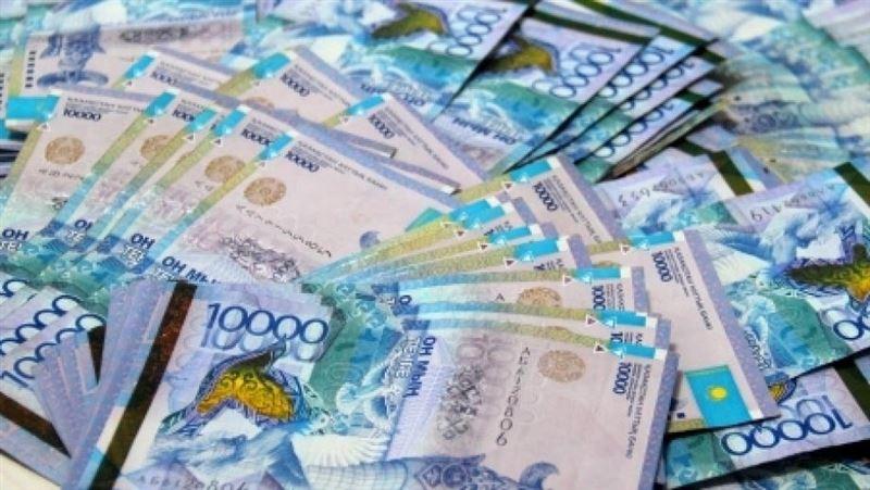 Какую сумму налогов задолжали казахстанцы