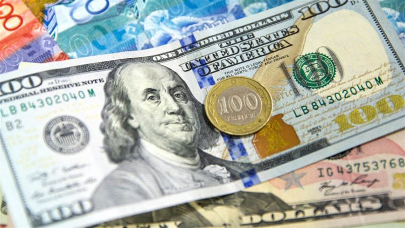 Доллар подешевел еще почти на 2,5 тенге