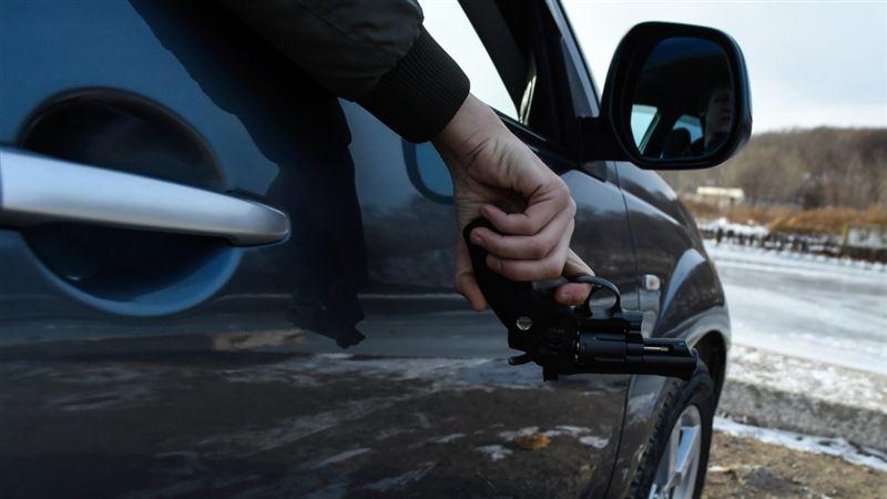 Атырау облысында көлік жолаушысы мен полицейлер атыс ұйымдастырды
