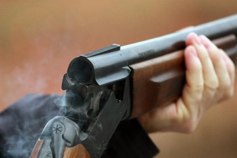 Охотник застрелил лесоруба, приняв того за оленя