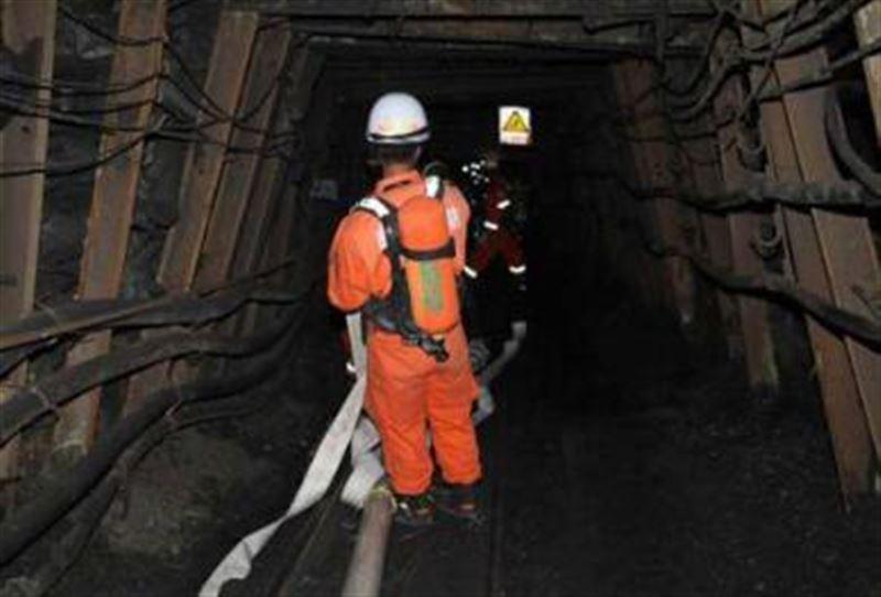 Шахтадағы жарылыстан 24 кенші жер астында қалды