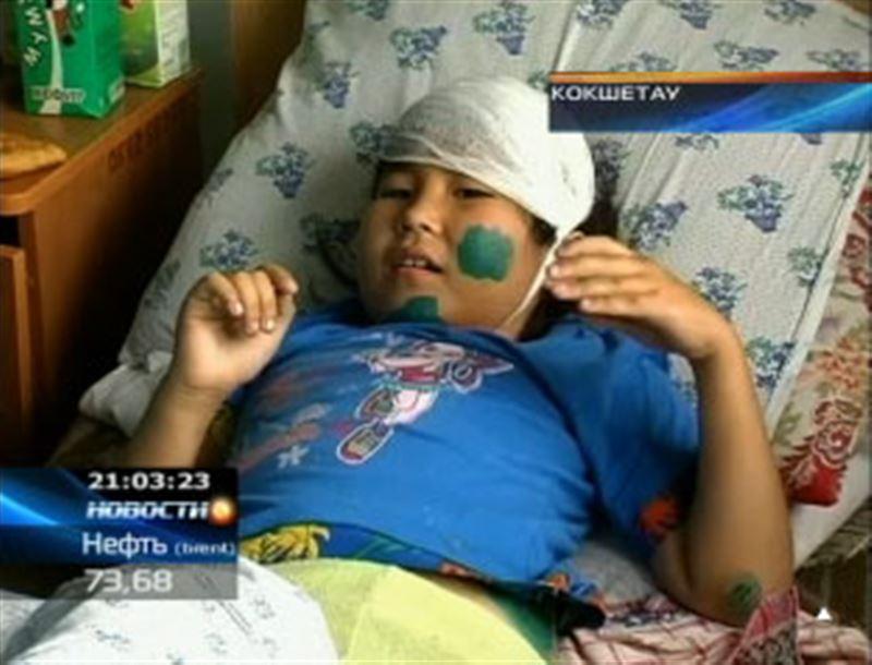 В Кокшетау с аттракциона упала 8-летняя девочка