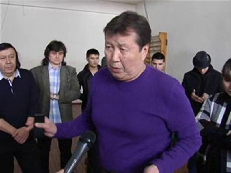 В Алматы циркачи объявили войну своему начальнику и известному клоуну Мутурганчику