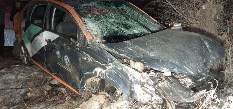 Каршеринговый автомобиль попал в ДТП в Алматы. В салоне было девять человек