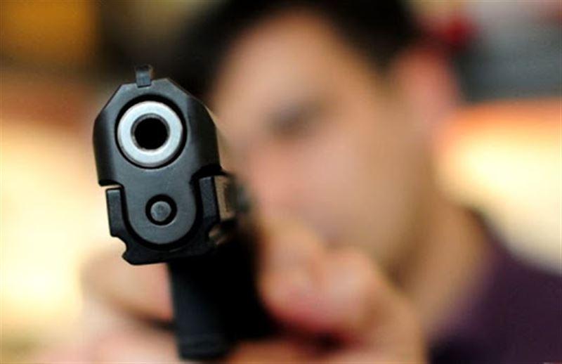 В центре Алматы обстреляли машину