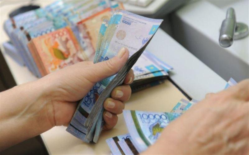 В Алматы свыше 2000 соцработникам увеличили зарплату на 50%