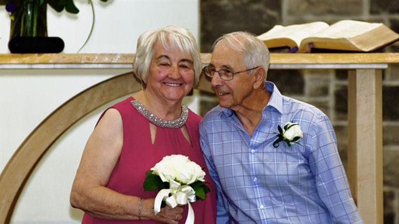 Школьные влюбленные встретились спустя 70 лет и поженились