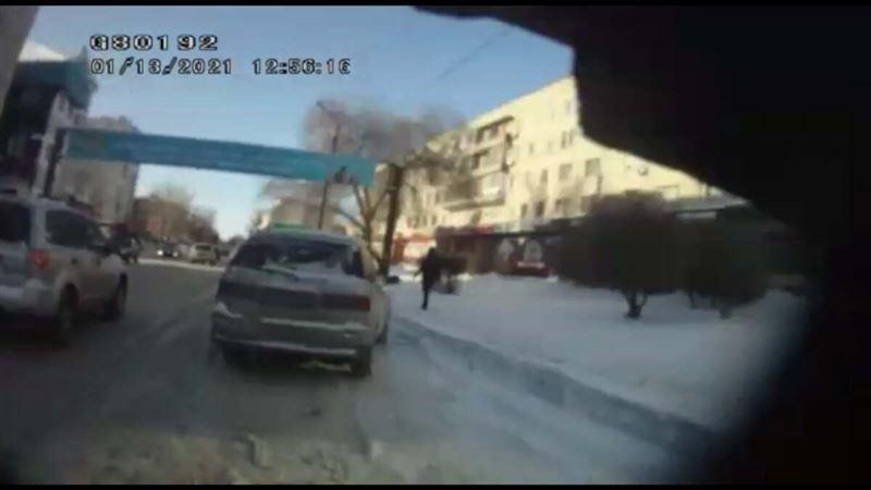 В Павлодаре задержали водителя с подложными номерами