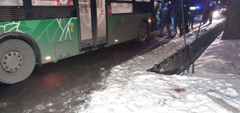 Алматыда автобус ер адамды қағып кетті
