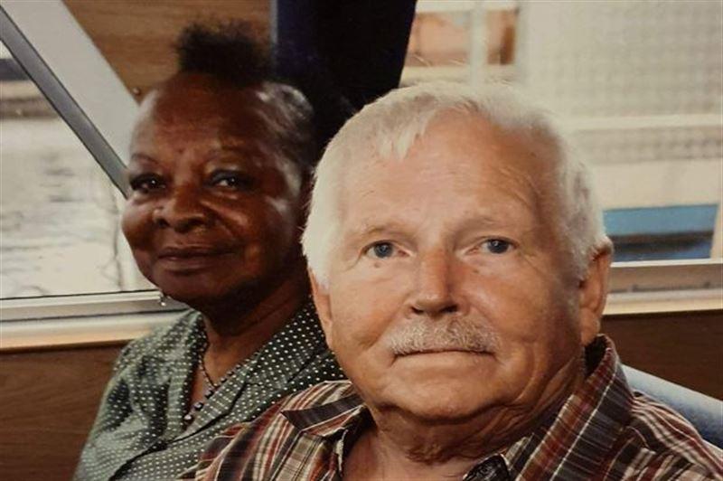Прожившие в браке 44 года муж и жена умерли от COVID-19 с разницей в четыре дня