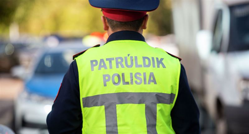Около тысячи алматинских водителей наказали за парковку на местах для инвалидов