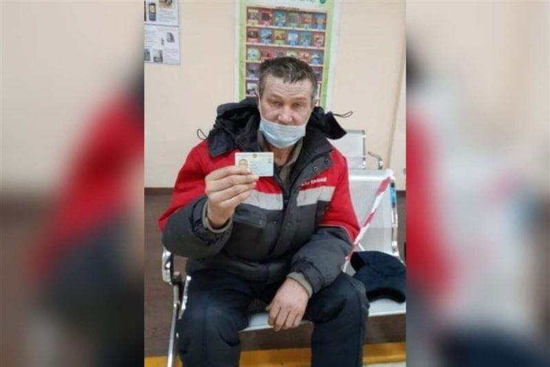 В СКО 57-летний мужчина впервые получил удостоверение личности