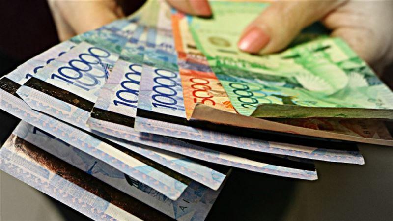 Половина казахстанцев зарабатывает менее 143 тысяч тенге