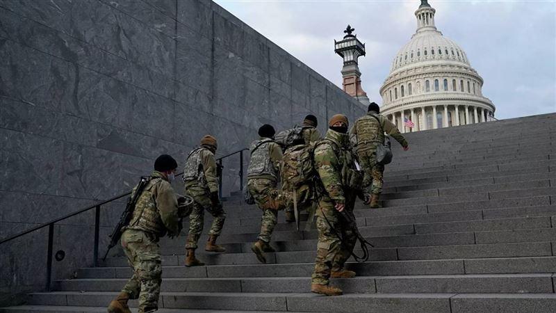 Множество бойцов Нацгвардии, охранявших Капитолий, заразилось коронавирусом
