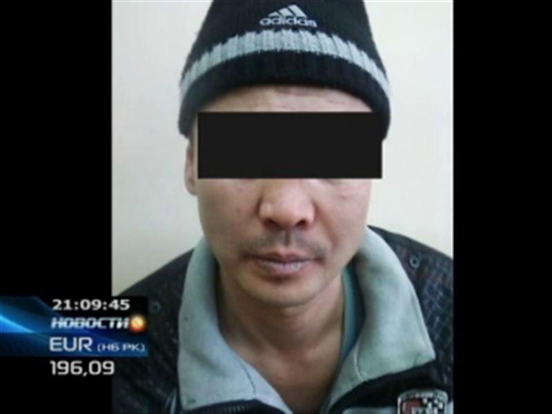 В Актау задержали педофила, который заманивал школьниц в подъезды