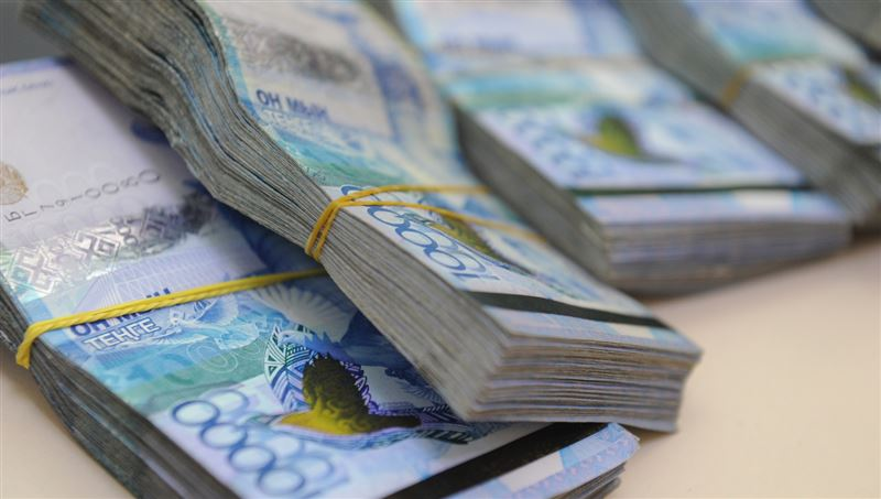 Сколько пенсионных выдали казахстанцам за месяц
