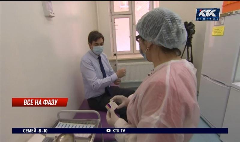 Вице-министры здравоохранения получили вторую дозу «Спутника V»