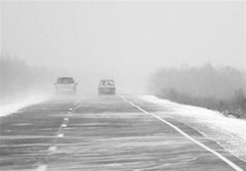 Дороги закрыли из-за метели в трех областях Казахстана