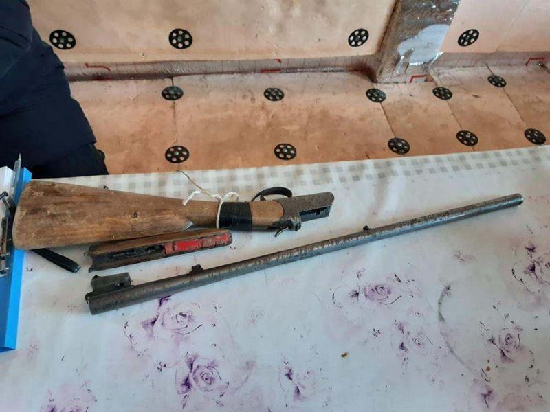 В Жамбылской области у золотоискателей изъяли оружие и золото