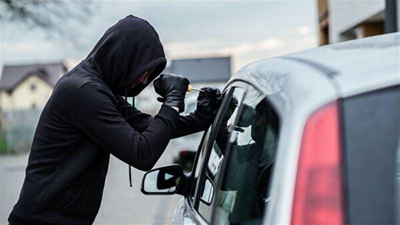 В столице мужчина инсценировал угон собственной машины