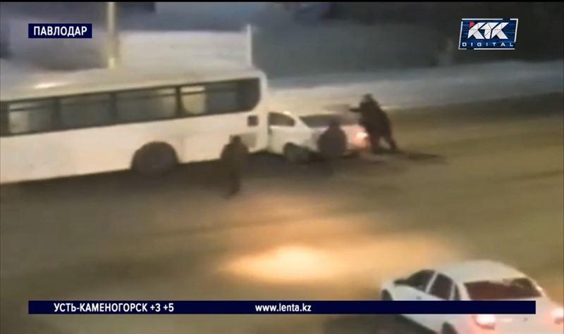 Неуправляемый автобус устроил ДТП