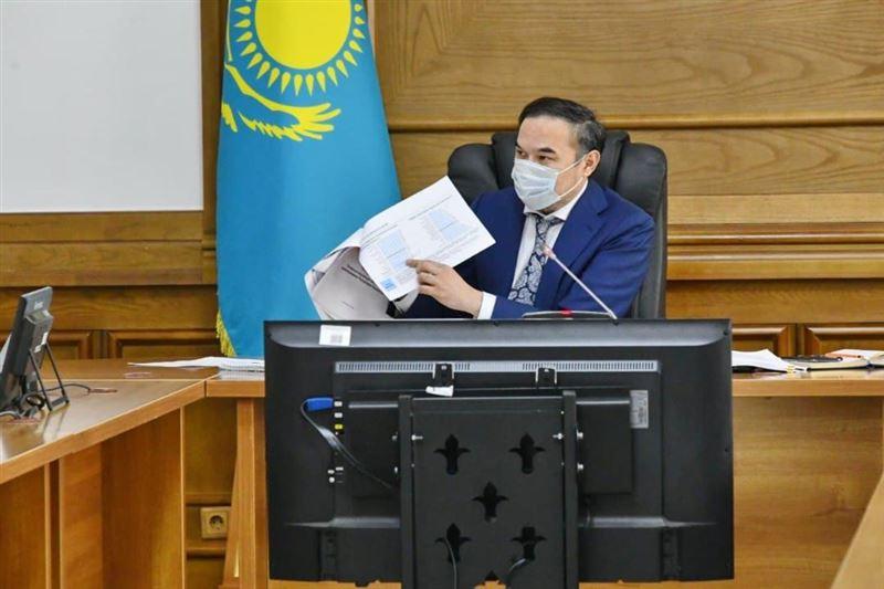 Ержан Бабакумаров провел совещание по актуальным вопросам развития системы здравоохранения Алматы