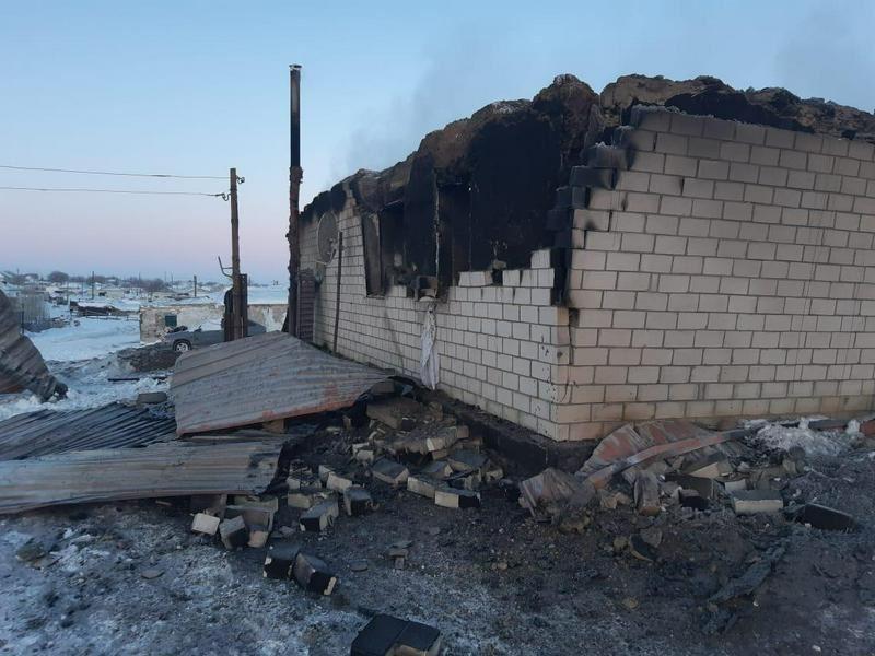Ребенок погиб, двое взрослых пострадали при взрыве газового баллона в Актюбинской области