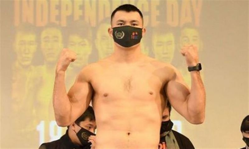 Қамшыбек Қоңқабаев WBO титулы үшін айқас алдында салмақ өлшеді