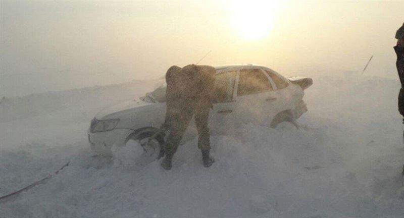 Застрявший в снежном плену житель Костаная больше суток ждал помощи