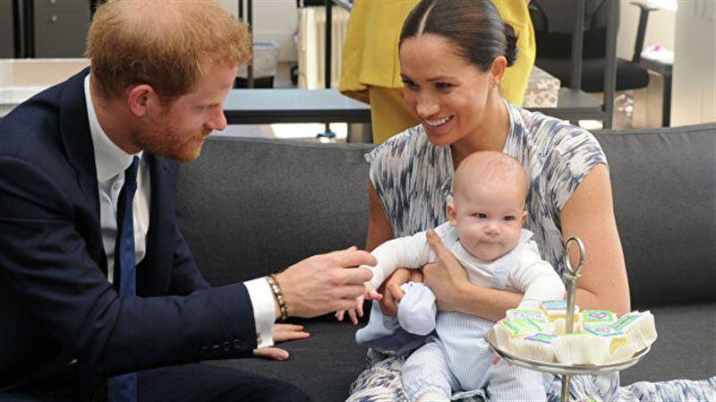 Какое первое слово сказал сын принца Гарри