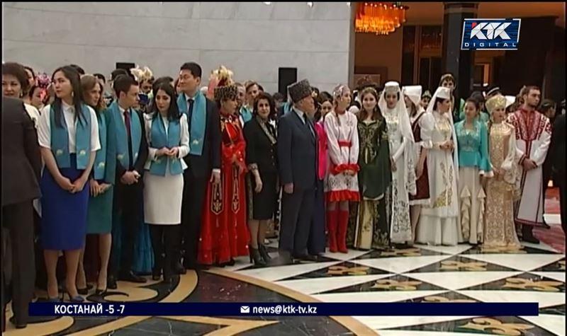 Казахстан отмечает День благодарности